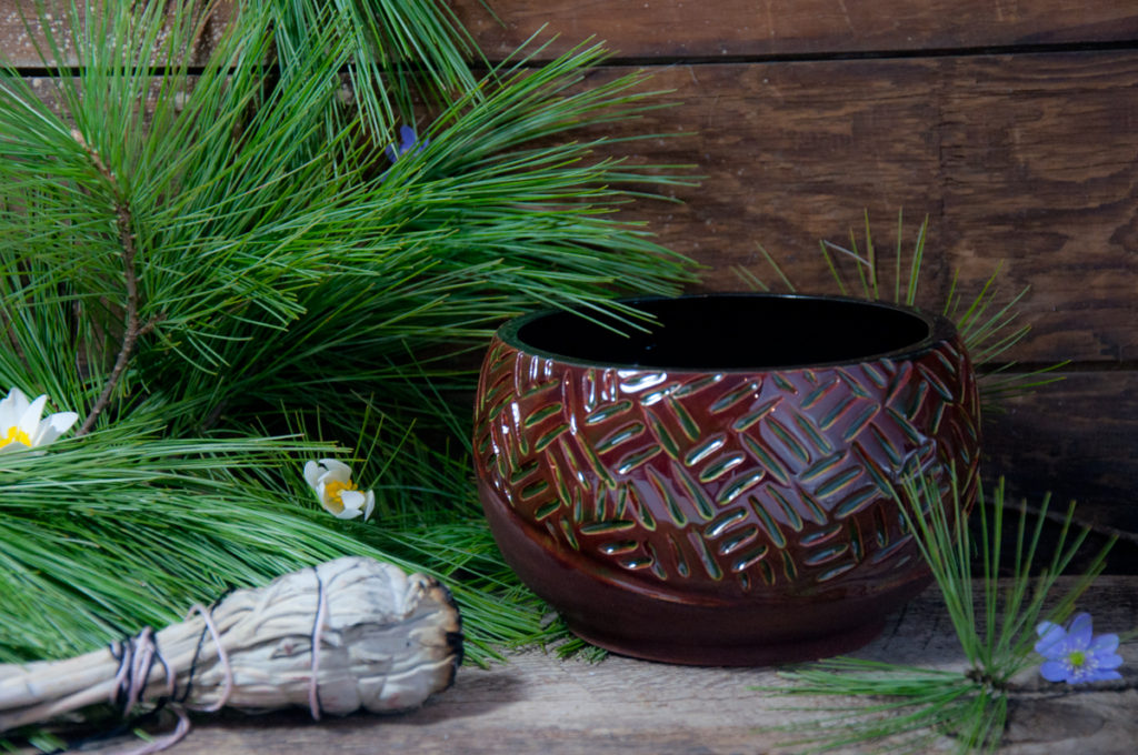 millside ceramics, tyendinaga, marleen murphy, native art, first nations artist, sacred circle, soy candles, canoe