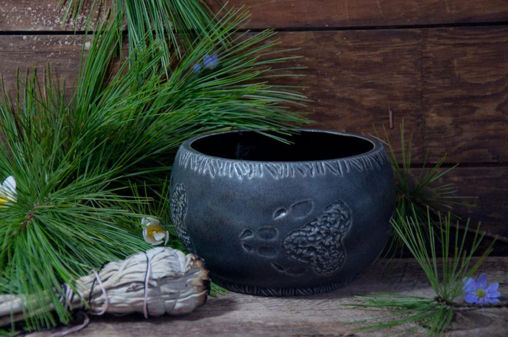 vmillside ceramics, tyendinaga, marleen murphy, native art, first nations artist, sacred circle, soy candles, canoe